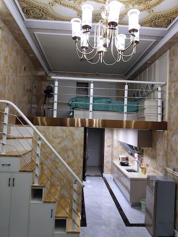 馨玉民宿【loft】~萍乡步行街/复式大飘窗/武功山
