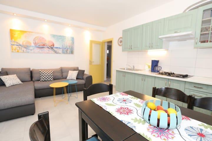 Apartment Flora 1