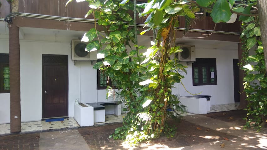 Dormitory Room for 8, Siam View Hostel