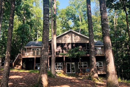 The Magical Lakehouse| Fireplace | Deep Cleaned