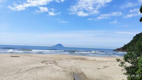 Casa de praia condomínio pe na areia Barra do Una