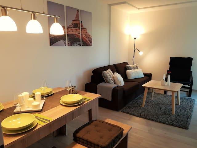 3 Zimmer Apartment / Maisonettenwohnung - Augsburg - Huoneisto