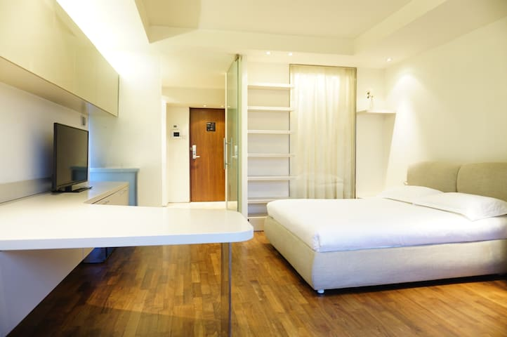 Zhoa-Spacious studio near subway - Beijing - Apartemen