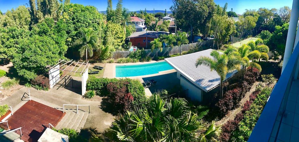Luxury Apartment (2BRM) Near Quiet Beach