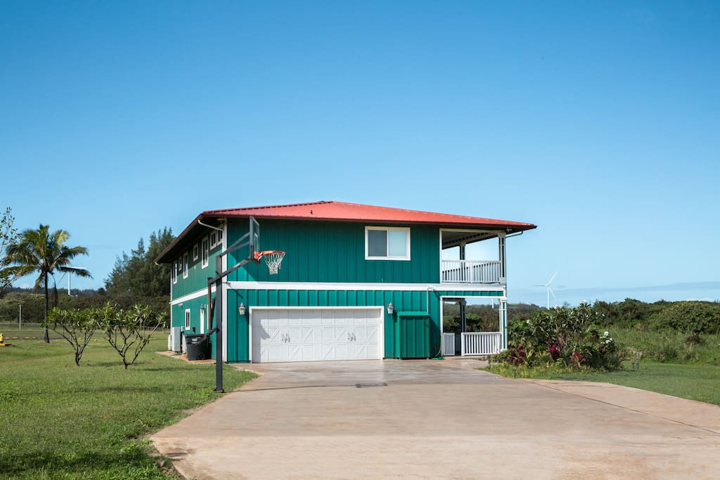 Front view of our 3500 SF Hawaiian Plantation Home