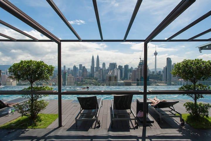 (B) Shared Home with KLCC View of Kuala Lumpur