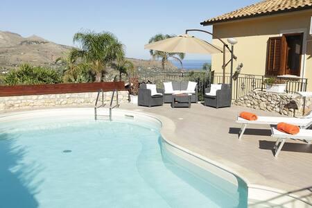 VILLA ANDREA (7pax) con con piscina e vista mare - Castellammare del Golfo - Villa