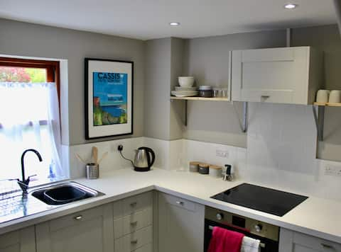 Cosy cottage in the heart of Old Kenilworth