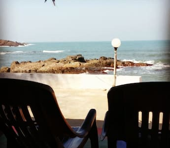 High Tide Holiday Home - Malvan - 小木屋