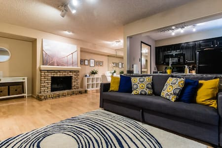 Comfy & Luxury Condo in Uptown 5min to Greenville