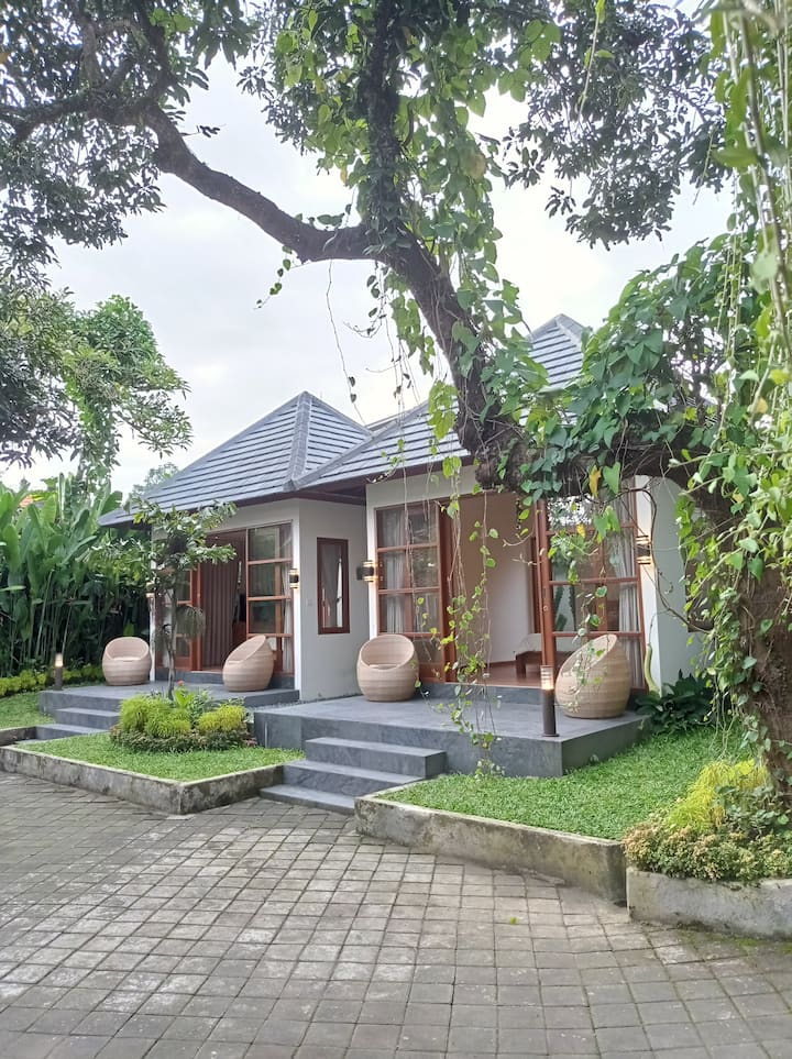 TUNTUN GUEST HOUSE