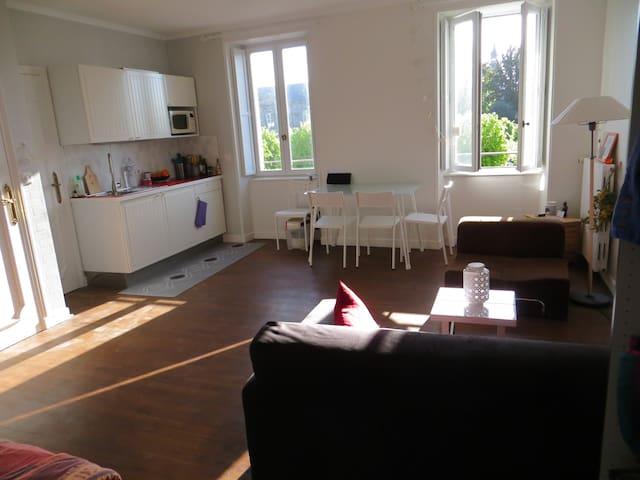 Appartement lumineux centre ville - Dinan - Apartamento