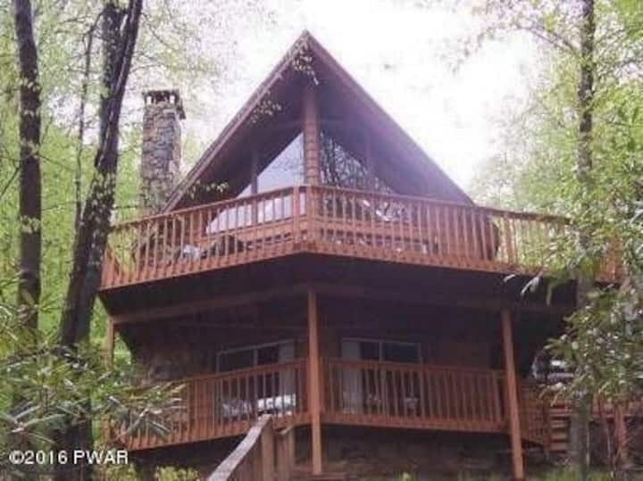 Amazing Lake Front Chalet home with private dock