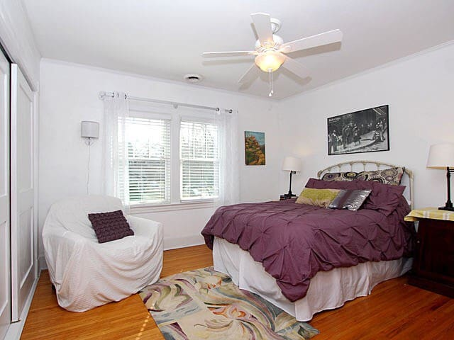 Super Comfy Room - Walk Everywhere - Oak Park - Casa