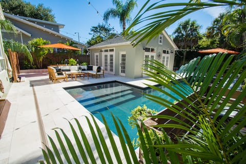 Livingston Pool House- In The Heart of Downtown