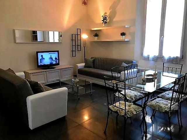 LUXURY CENTRAL STATION APARTMENT