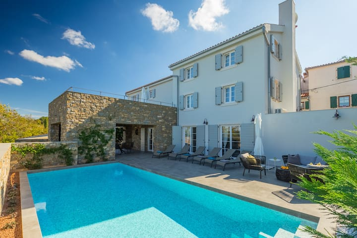Casa Martin - 5 bedroom house with beautiful views