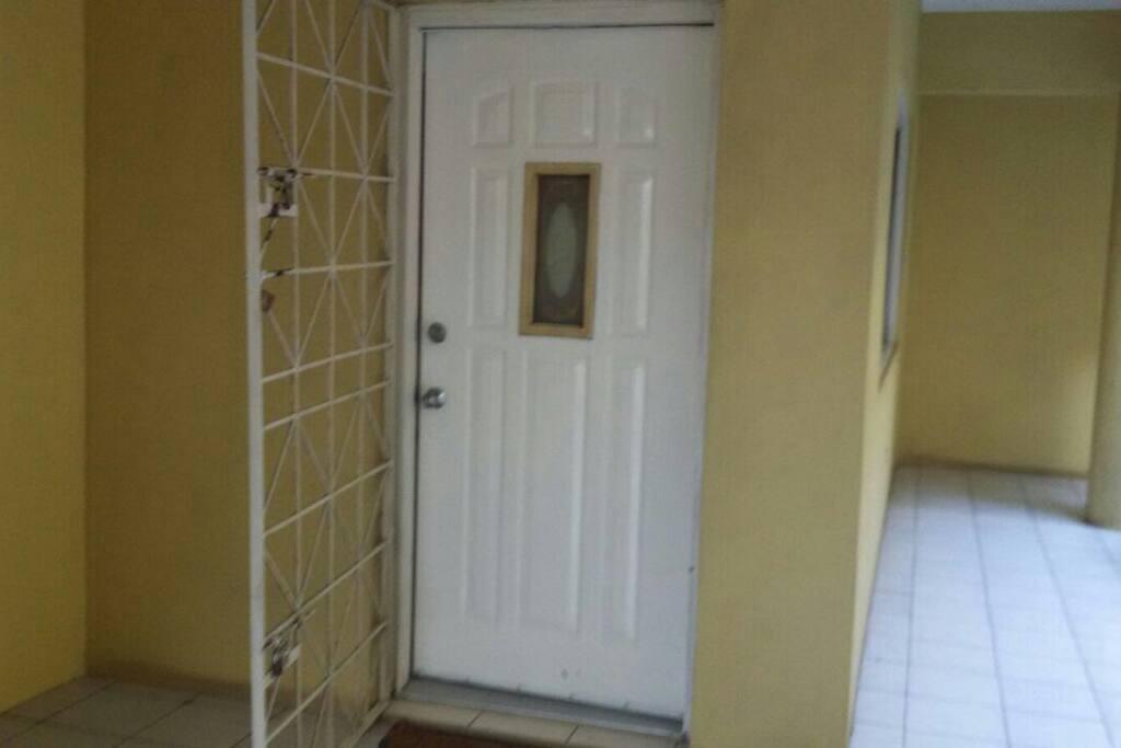 Entry to apt (front door)