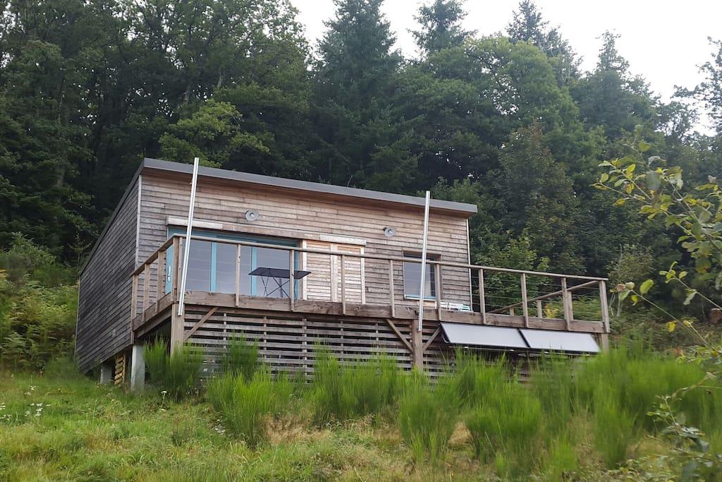chambre dans la petite maison en bois chalets louer faux la montagne nouvelle aquitaine. Black Bedroom Furniture Sets. Home Design Ideas