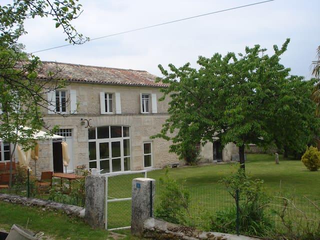 Villa des Romarins - Pons - Casa