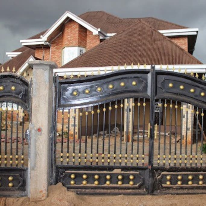 Gated Entry with Guard