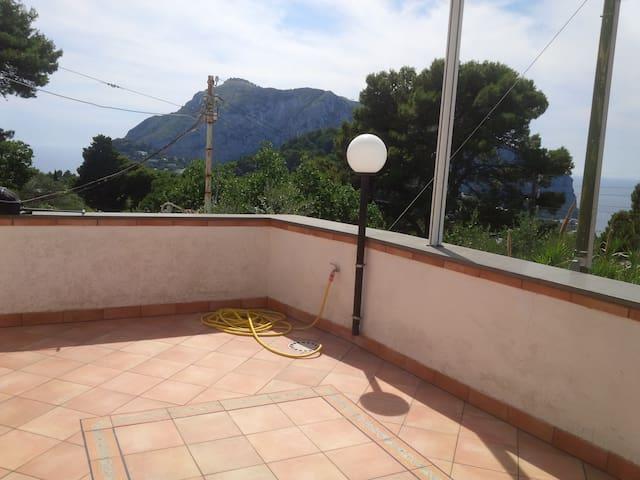 Via Moneta panoramic tipical apartment for 2 or 4