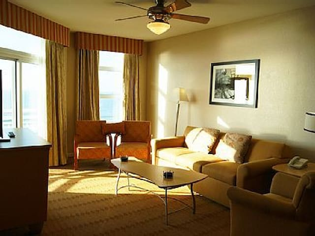 3 Bedroom Deluxe Ocean View Condo At Myrtle Beach Condominiums For Rent In