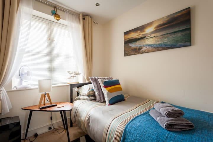 Admiral Single En Suite Town Centre - Lymington