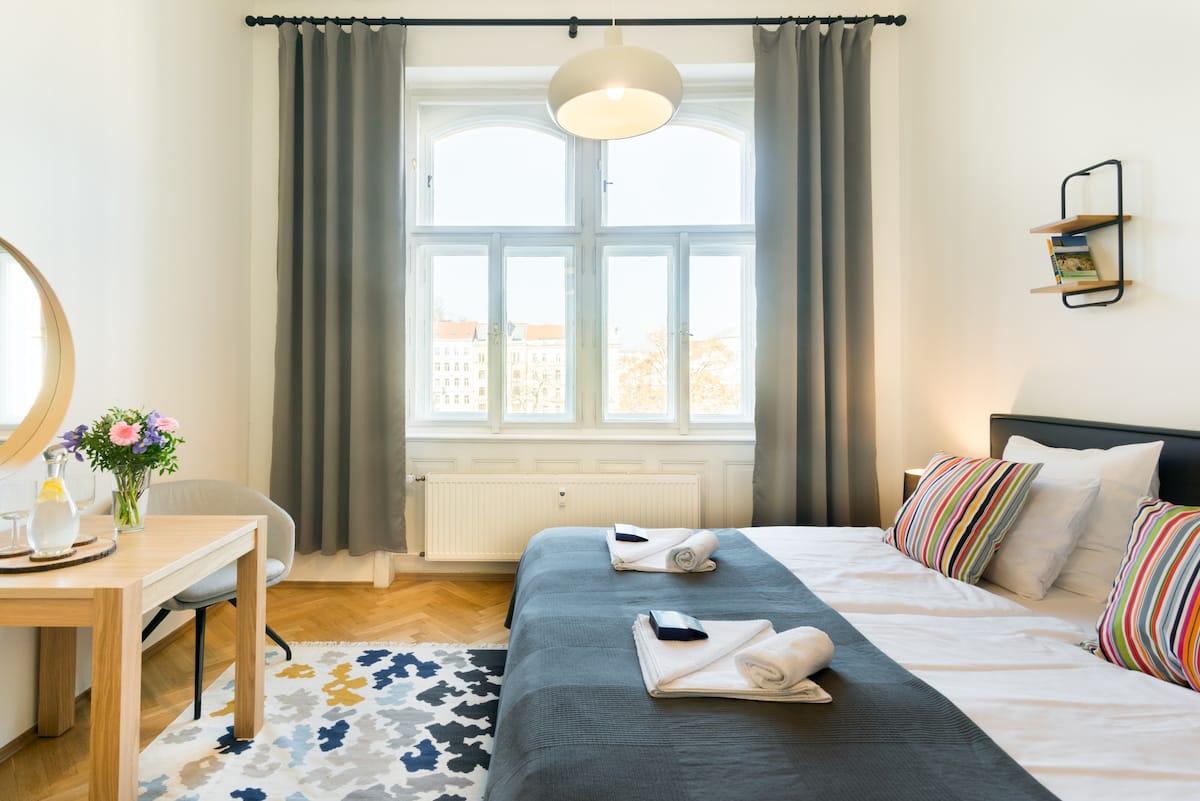 Stylish Two Bedroom Apartment near Charles Bridge