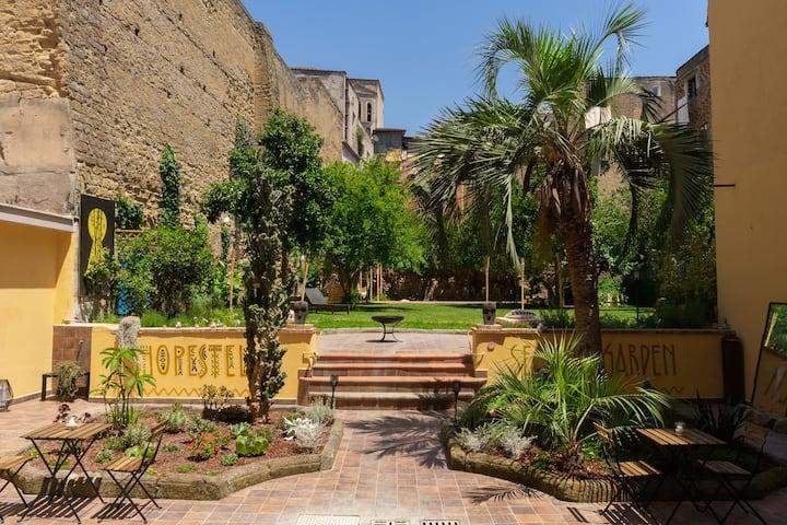HOPEstel Secret Garden - Standard Double Room