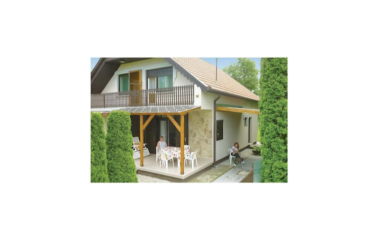 Semi-Detached with 2 bedrooms on 65 m² in Balatonberény