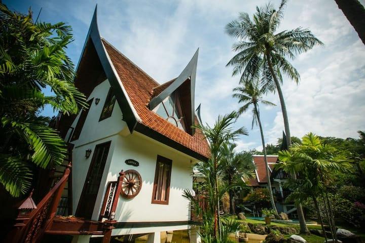 2BR Thai-style art villa in Naiharn BF&transfer