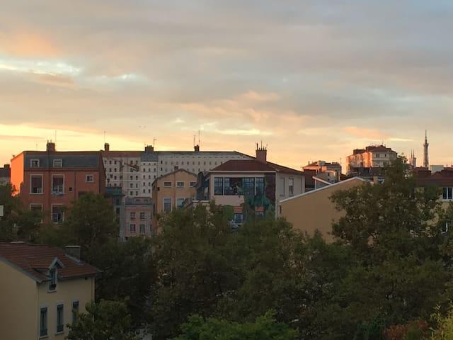 Soleado apart con terraza en el corazón CroixRouss - Lyon - Apto. en complejo residencial