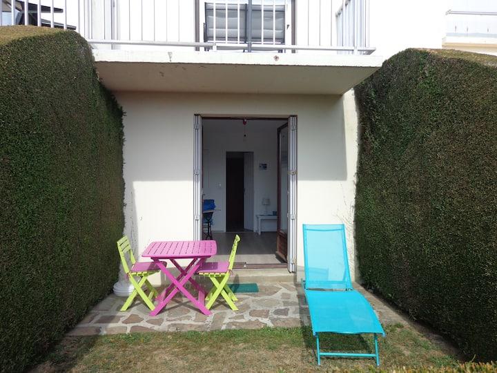 Studio de 25 m2 et terrasse plein sud