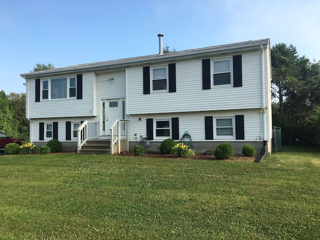 REDUCED PRICE!!! 6 Bed 2 bath Home w/central air