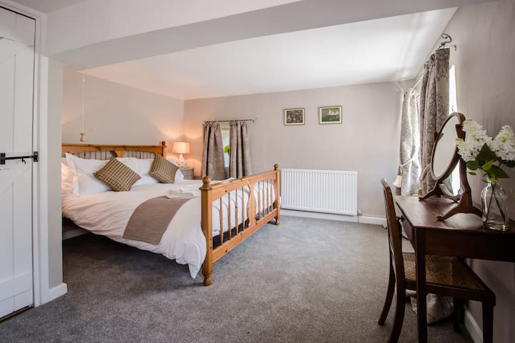 """Cotswold House - """"Tyndale"""" Bedroom (Price for 2)"""