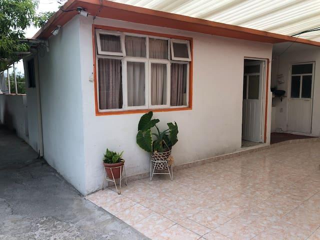 Habitación privada con baño independiente