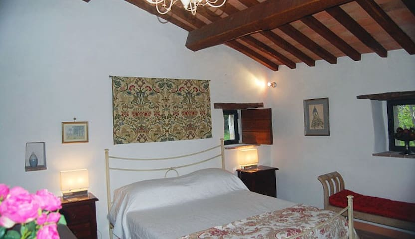 Stunning Italian Villa in Umbria - Campello sul Clitunno - House