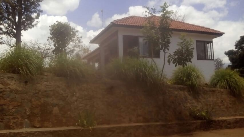 TheRoofofAfrica-Moshi couples home - Kirua - Hus