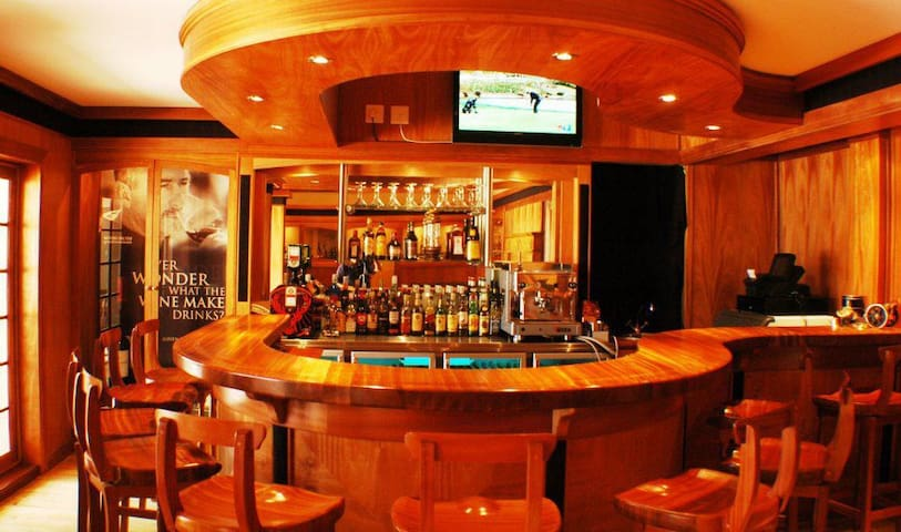 Turnberry Boutique Hotel Bar