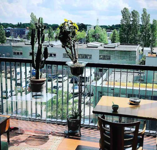 Nice Apartment  10min to Amsterdam Central Station