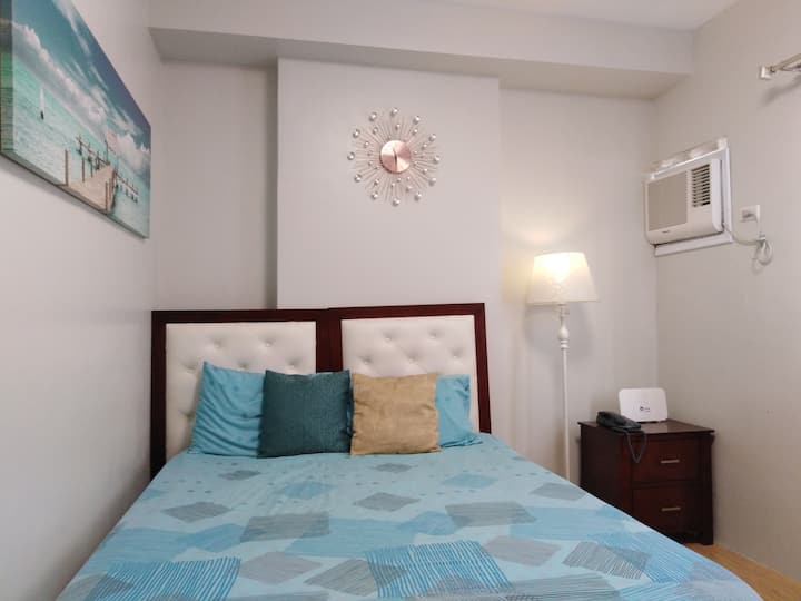 Homey Condo Unit in Lahug with Globe Internet