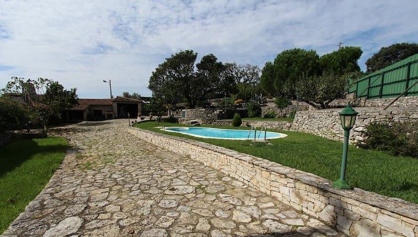 Stone Cottage in Serra d'Aire, Fatima - Serra de Santo António