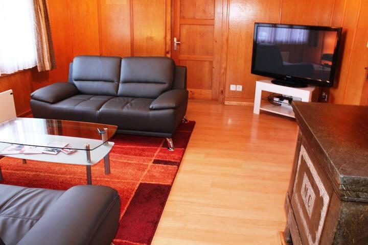 Ferienwohnung Decurtins in Rueras - Tujetsch - Lejlighed