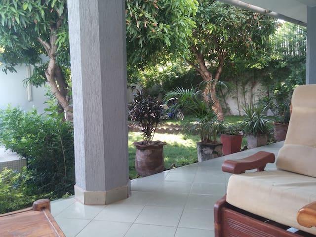 AC, Pool and Private Bathroom - Cotonou - House