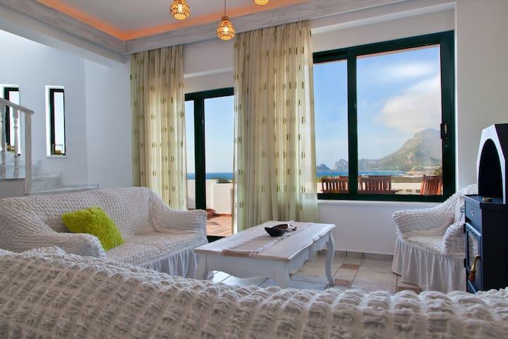 Villa Smaragdi...3 Bedroom Villa - Phalasarna