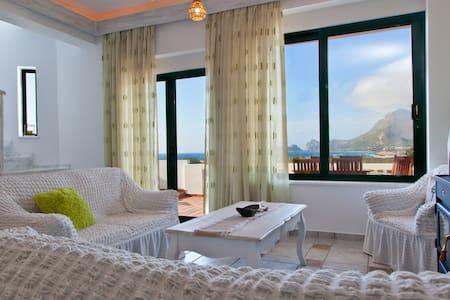 Villa Smaragdi...3 Bedroom Villa - Phalasarna - Villa