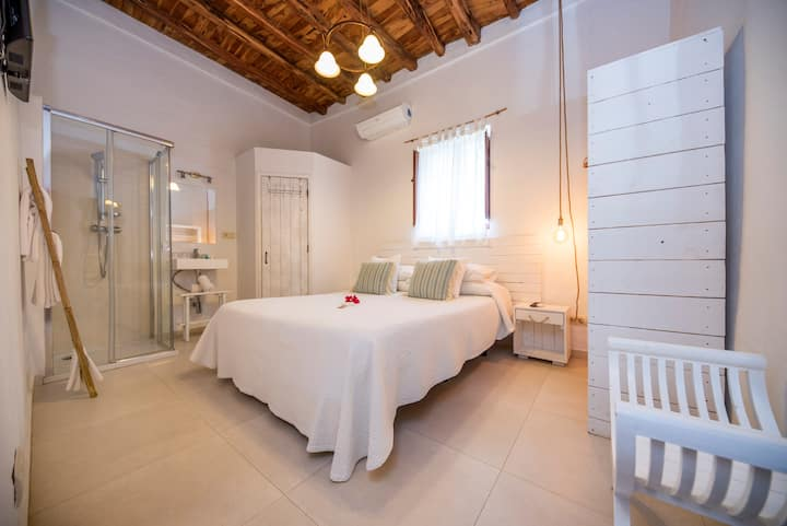 Double or single room, Macarelleta