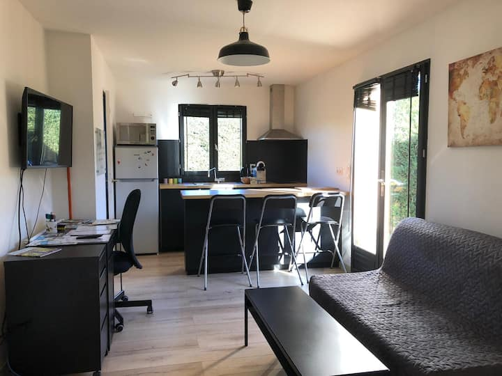 Studio de plain pied proche Bordeaux -centre ville
