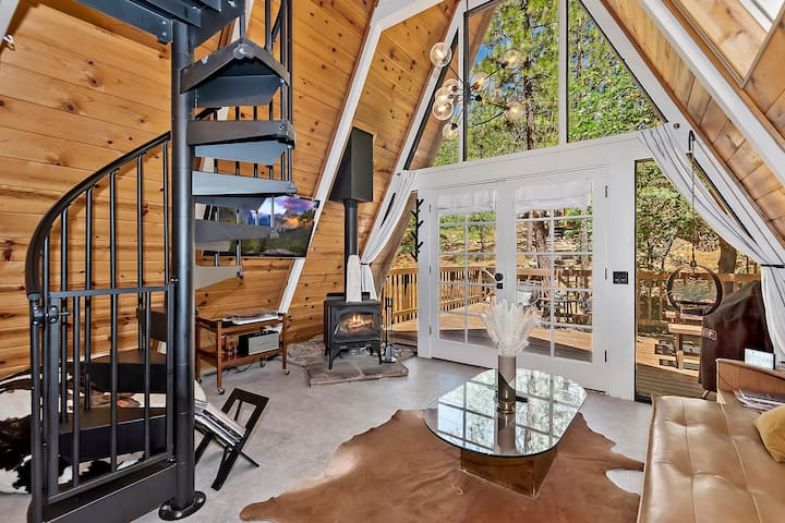 Acute A-frame Cabin! Remodeled! WIFI! Modern!